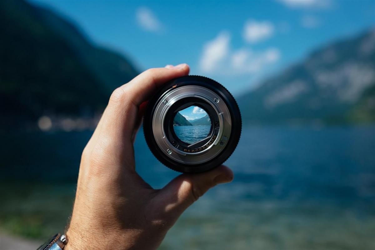 lens-1209823_1920_0.jpg