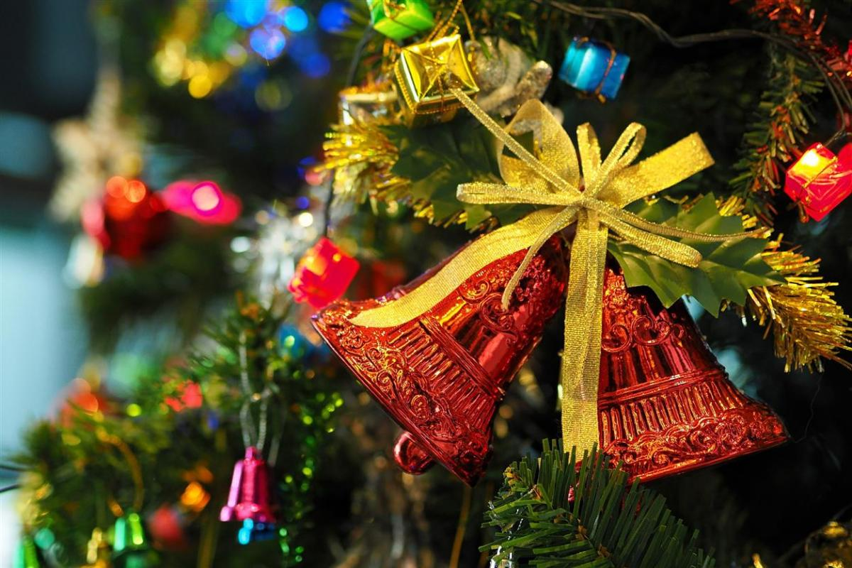the-christmas-tree-1081321_1920.jpg